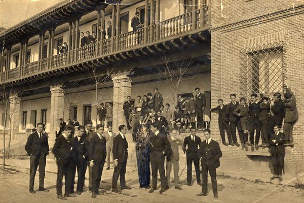 1919 grupo residencia - Poesia Online