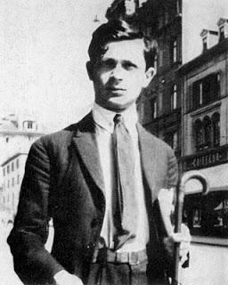 tzara zurich 1917 - Poesia Online