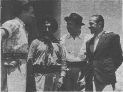 Homero Manzi en Añatuya en la estancia de su padre acompañado por Charlo - Poesia Online