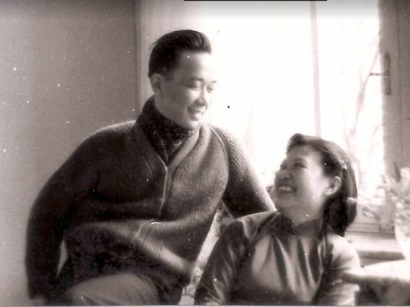 Poeta To Huu y su esposa - Poesia Online