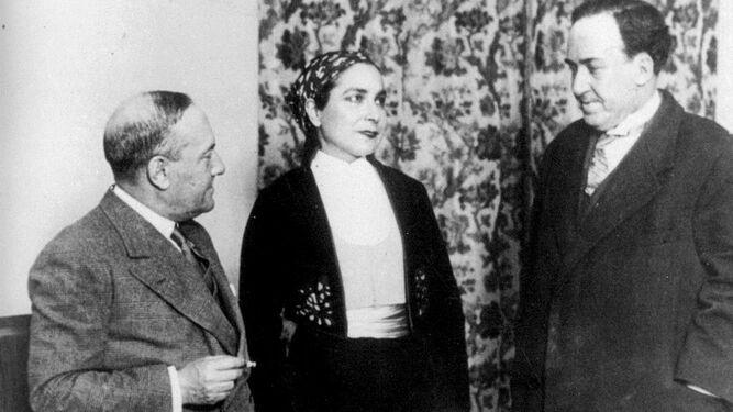 Manuel y Antonio Machado con la actriz Margarita Xirgu - Poesia Online